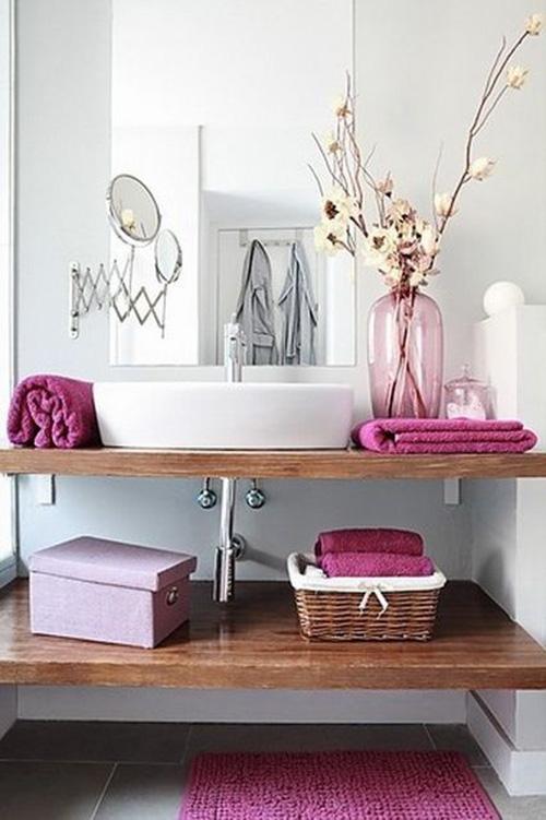 decoración baños toallas de colores en pirmeriti