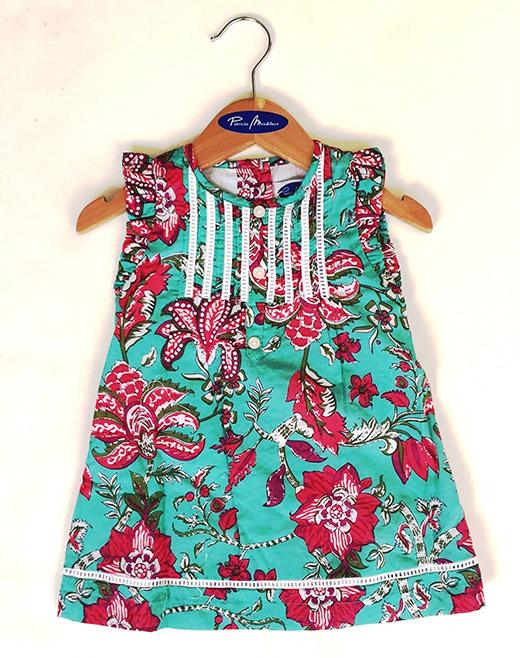 ropa de playa para bebés en primeriti Patricia de Mendiluce vestido