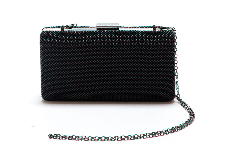 bolsos de invitada de roberta m en primeriti caja negra