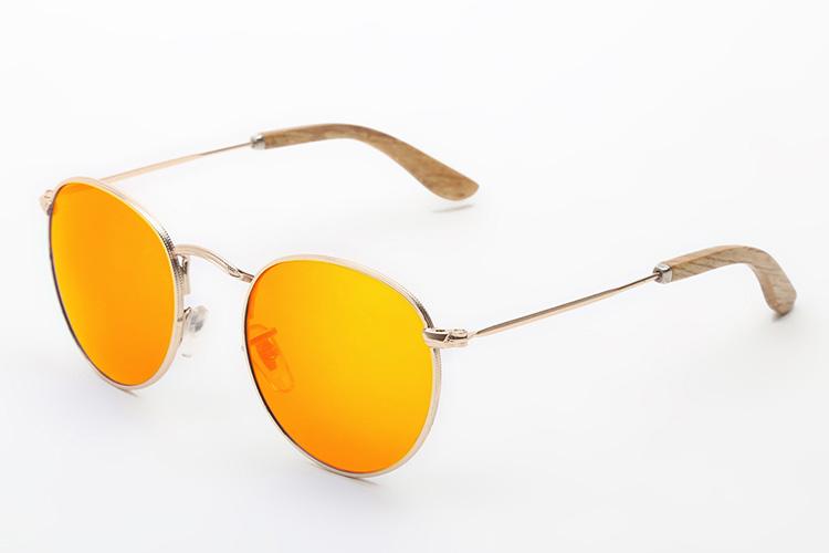 gafas de sol con cristales de colores vilkominn en primeriti redondas