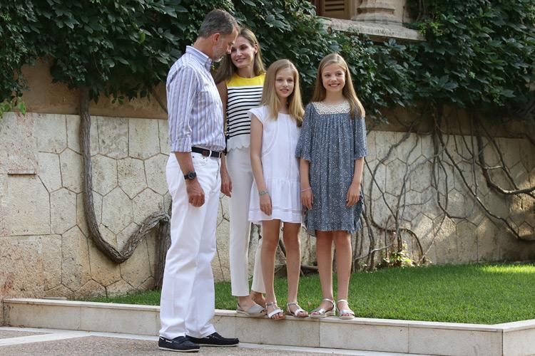 Las Infantas nos dieron las claves para elegir las sandalias infantiles de este verano-9448-primeriti