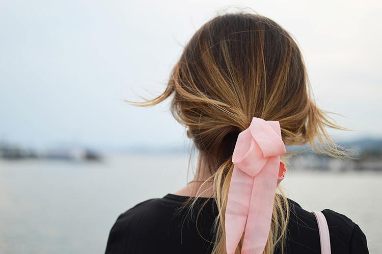 Peinados fáciles de hacer. Coleta con lazo
