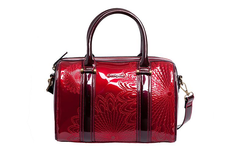 Combinar tu bolso rojo de Desigual con Primeriti