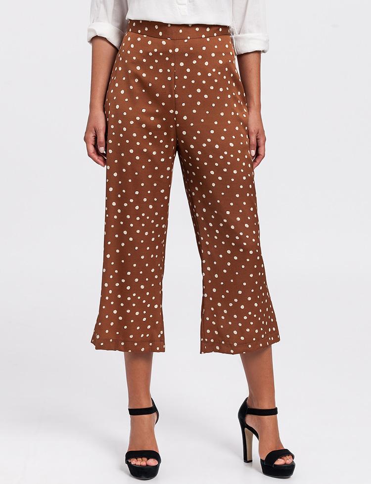 Pantalones culotte marrones con lunares blancos de Poète