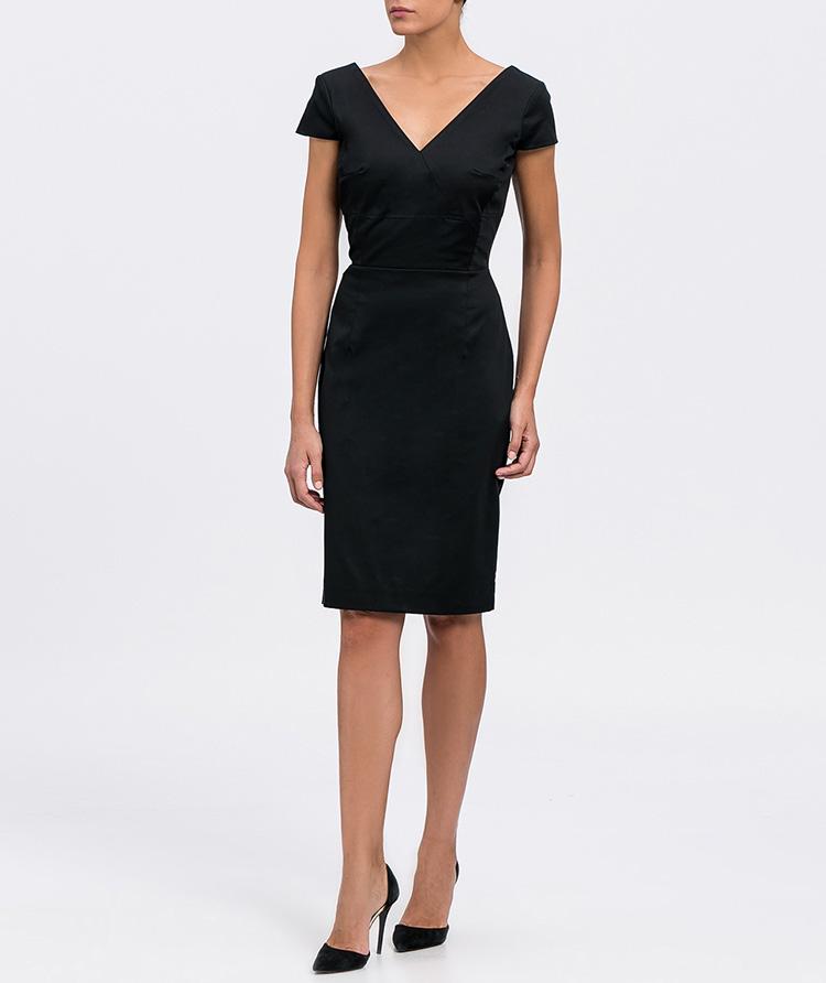 Tu vestido negro de Cabotine en Priemriti. Con escote en pico