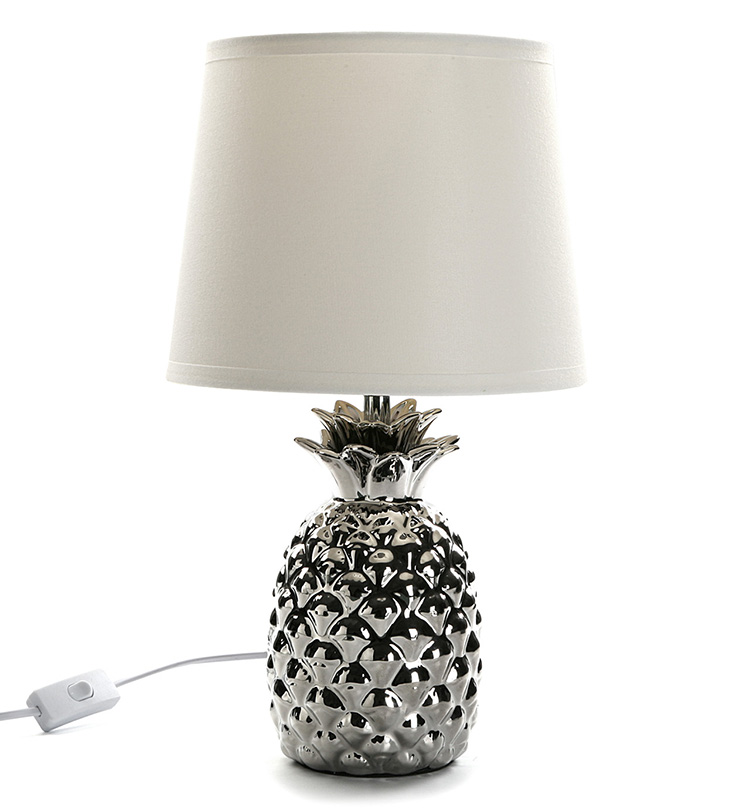 Lámparas de mesa con descuento. Lámpara cuerpo de piña