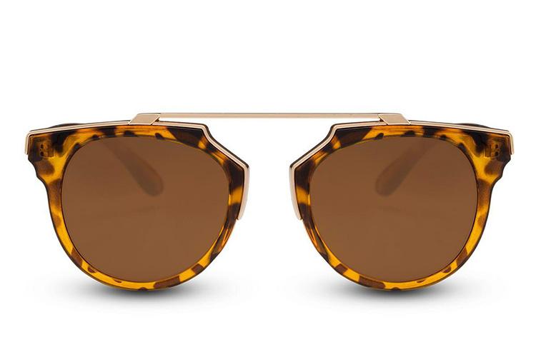 Gafas de sol con puente metalizado