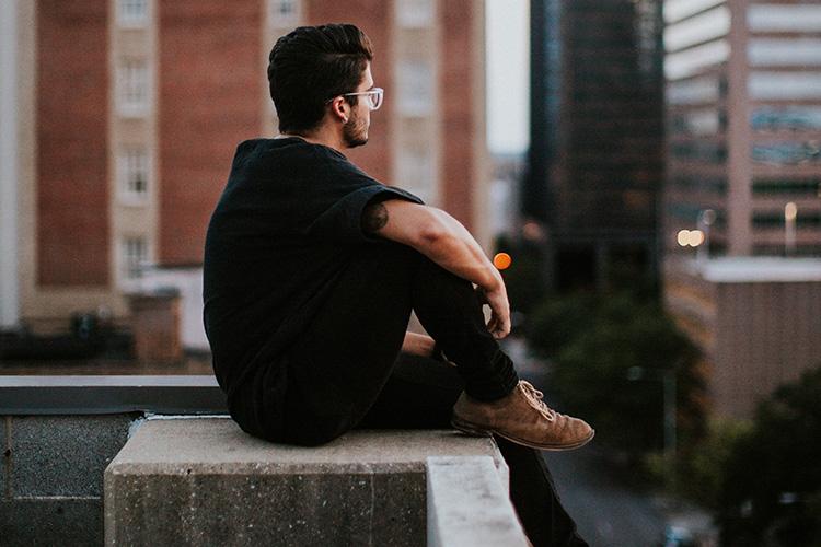 Moda hombre con estilo total black
