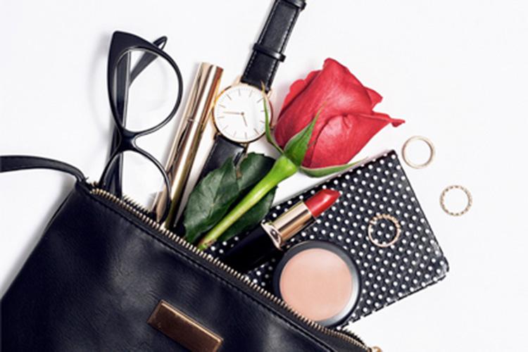 Todos los accesorios de moda que llevar en el bolso-10915-primeriti