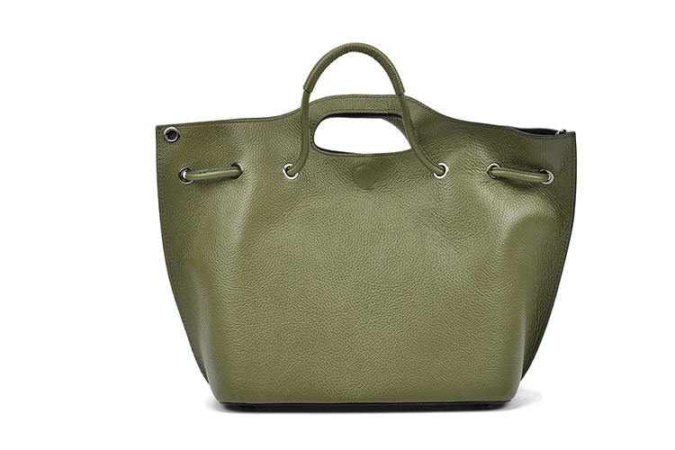 Maxi bolsos de piel. Bolso verde