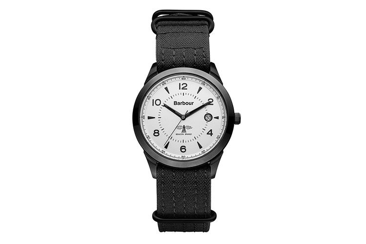 Relojes Barbour. Reloj negro con correa de tela.
