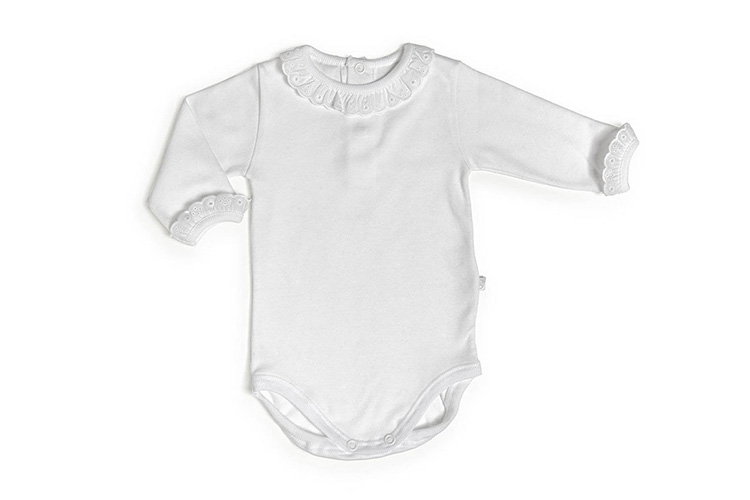 Ropa de bebé. Body detalle cuello