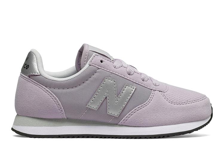 Zapatillas new balance. niña
