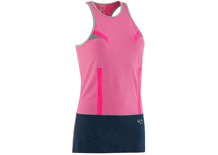 Ropa de deporte. Camiseta rosa