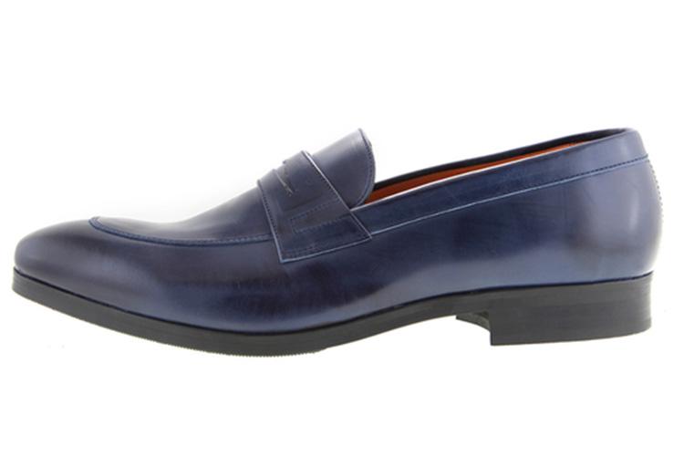 Zapatos para hombre. Mocasín antifaz