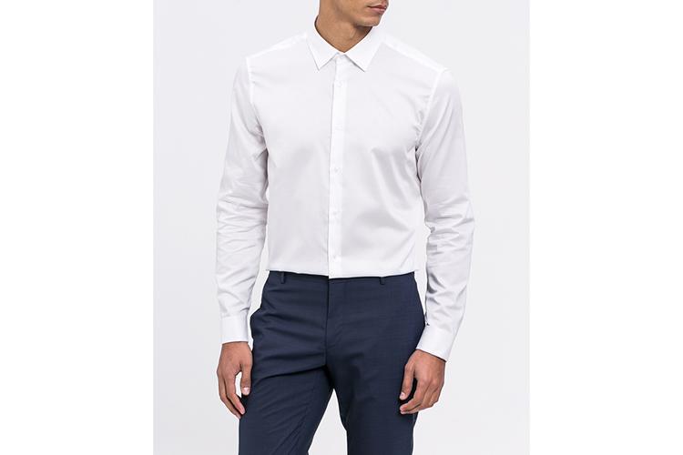 Calvin Klein. Camisa blanca