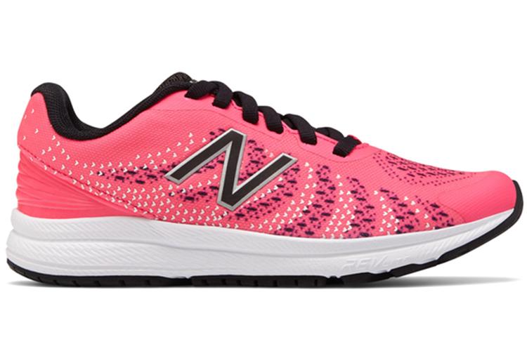 Deportivas. Mujer rosas