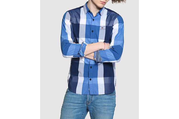 Tommy Hilfiger. Camisa a cuadros