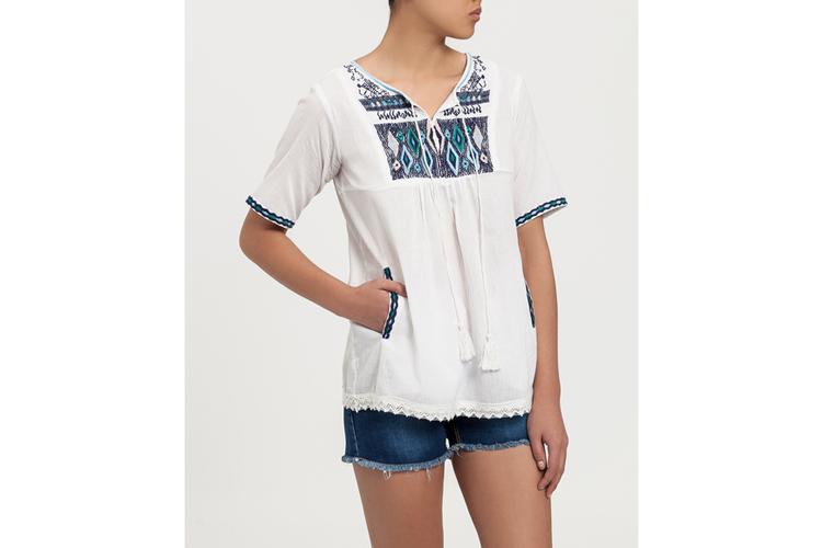 Camisas bordadas. Camisa bordada azul