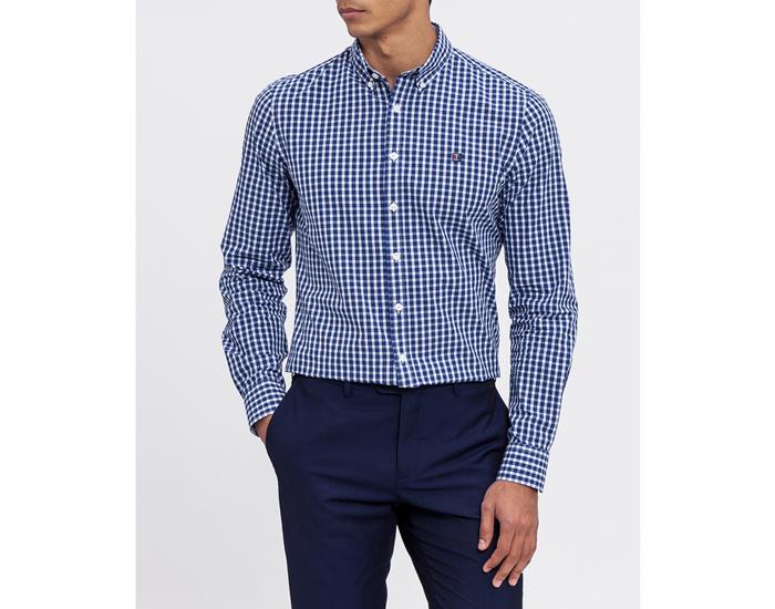 Moda para hombre. Camisa a cuadros azul y blanco