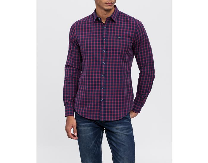 Moda para hombre. Camisa a cuandros azul y rojo