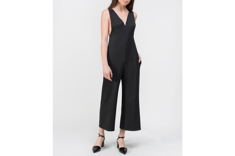 Vestidos de verano. Mono negro