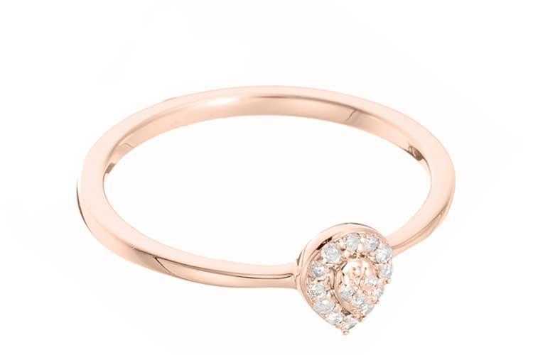 Anillo de diamantes. Anillo oro rosa con lágrima de diamantes