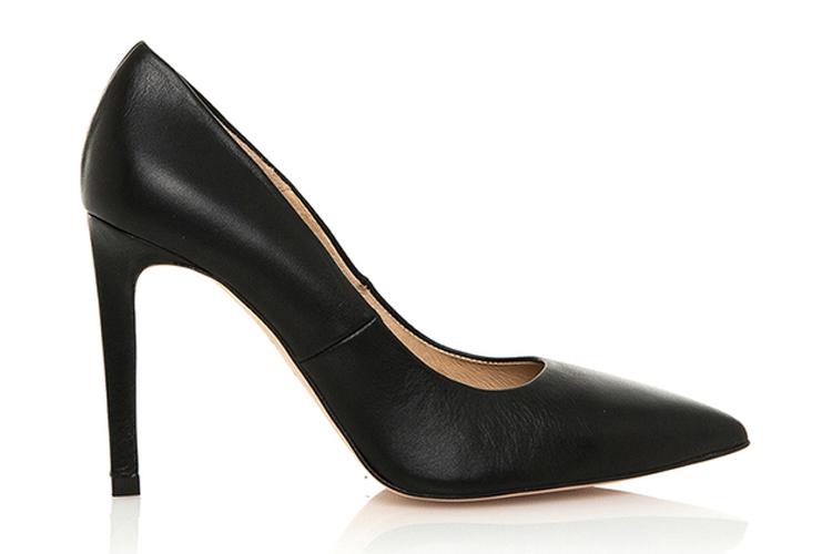 Zapatos para otoño. Tacones negros