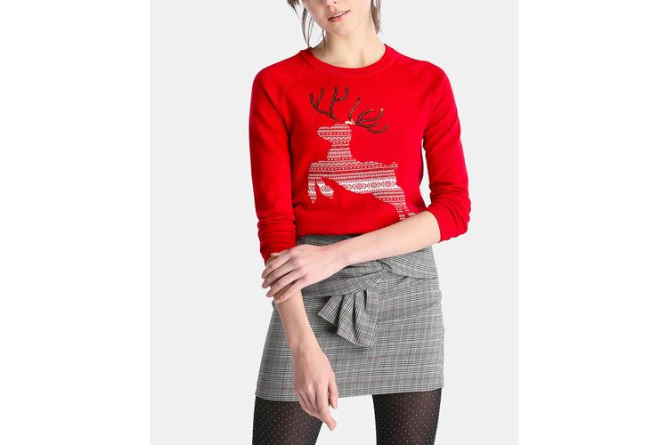 Esprit. Camiseta roja con ciervo