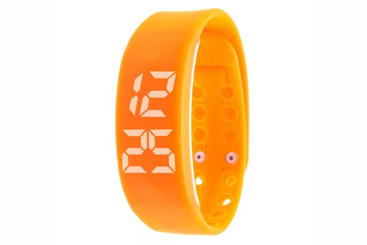Smartwatch para hacer deporte. Reloj goma naranja
