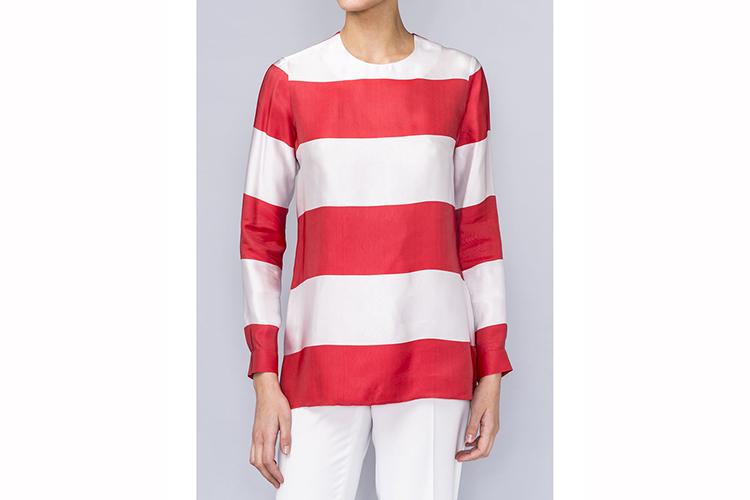 Black Friday. Camisa a rayas rojas y blancas