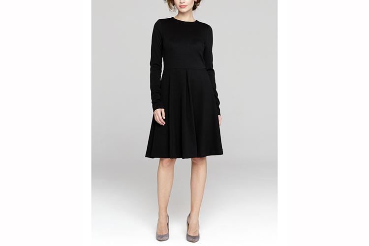 Peperuna. Vestido negro midi