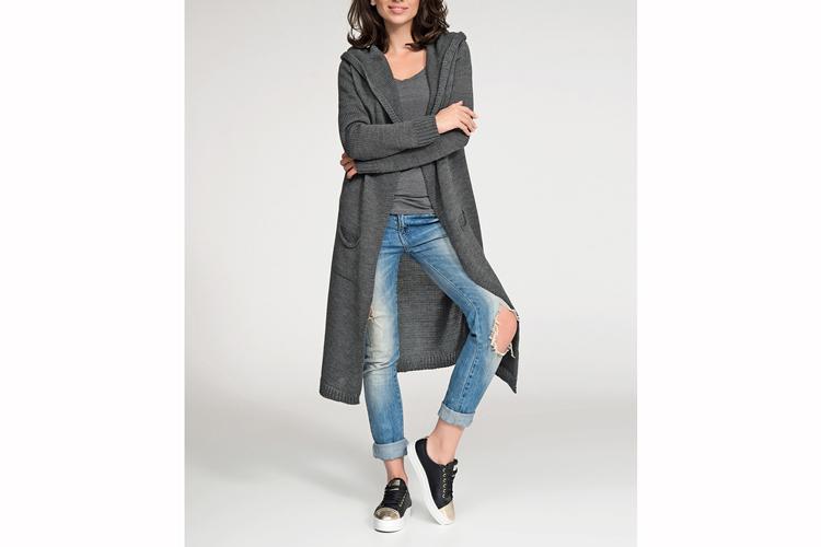 Prendas de punto. Jersey largo gris con capucha