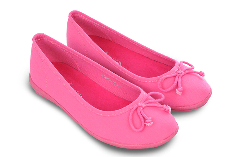 Calzado infantil. Bailarinas rosas
