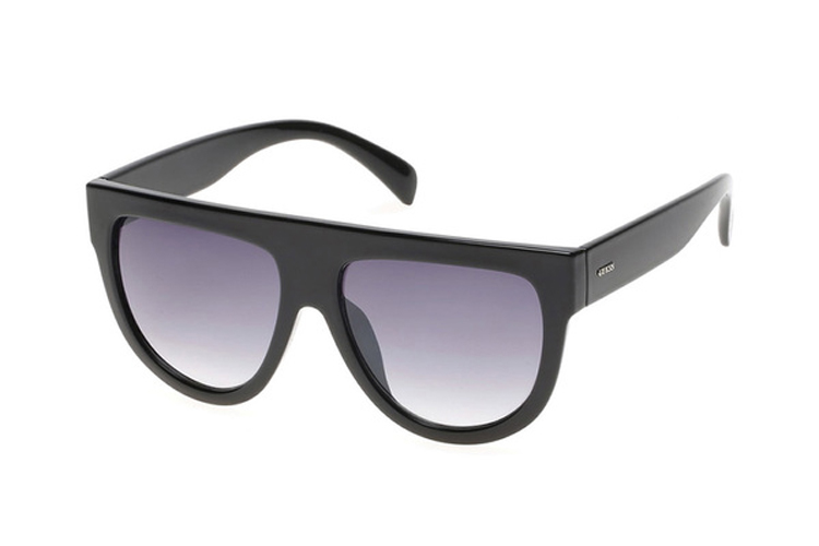 Guess. Gafas de sol de acetato negras