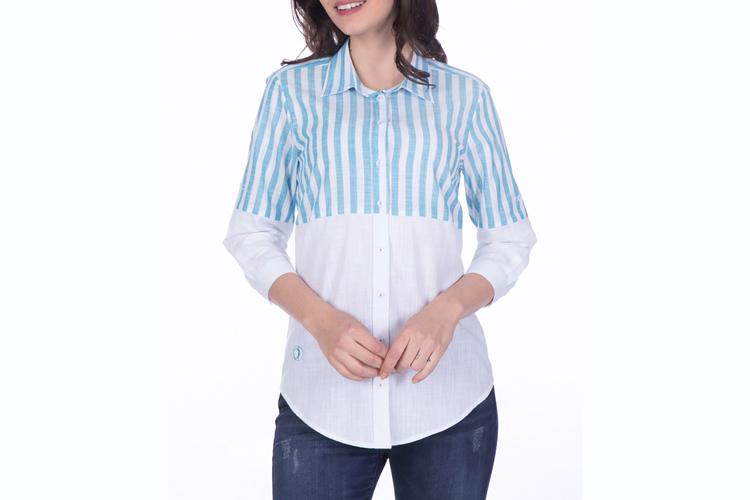 Sir Raymond Tailor. Camisa de lino blanca y azul