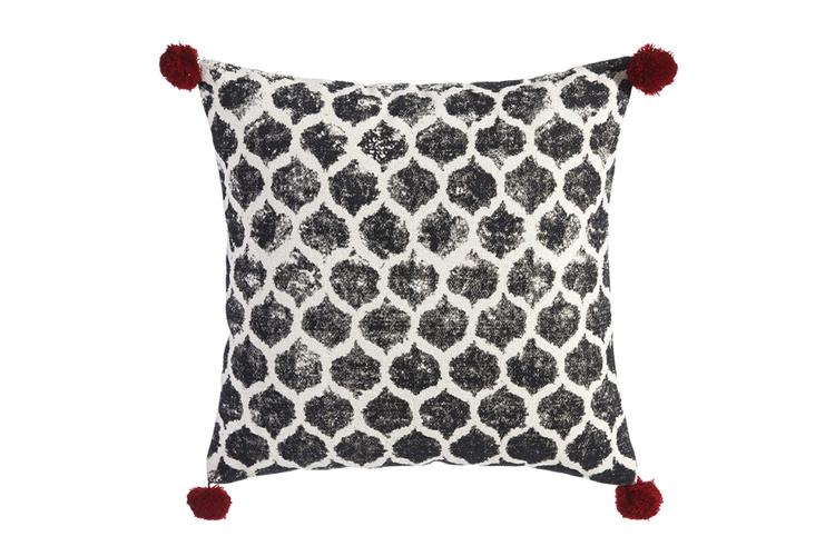 Textiles con estilo. Cojín a lunares