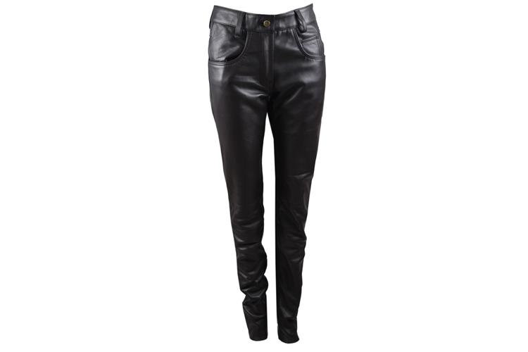 Zerimar. Pantalones de cuero negro