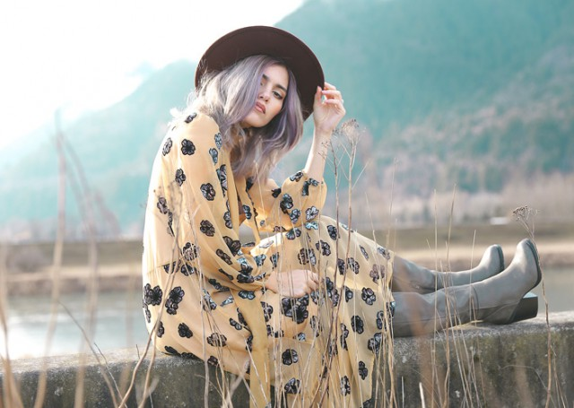 Ya ha llegado la primavera al armario de las bloggers - Revolve clothing