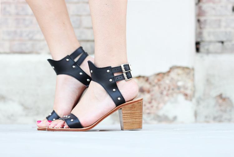 sushi-sandals