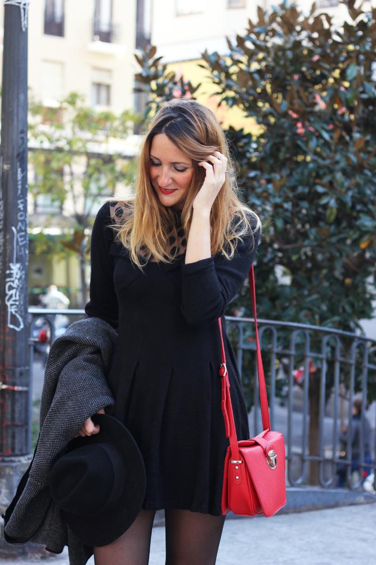 kling-black-dress