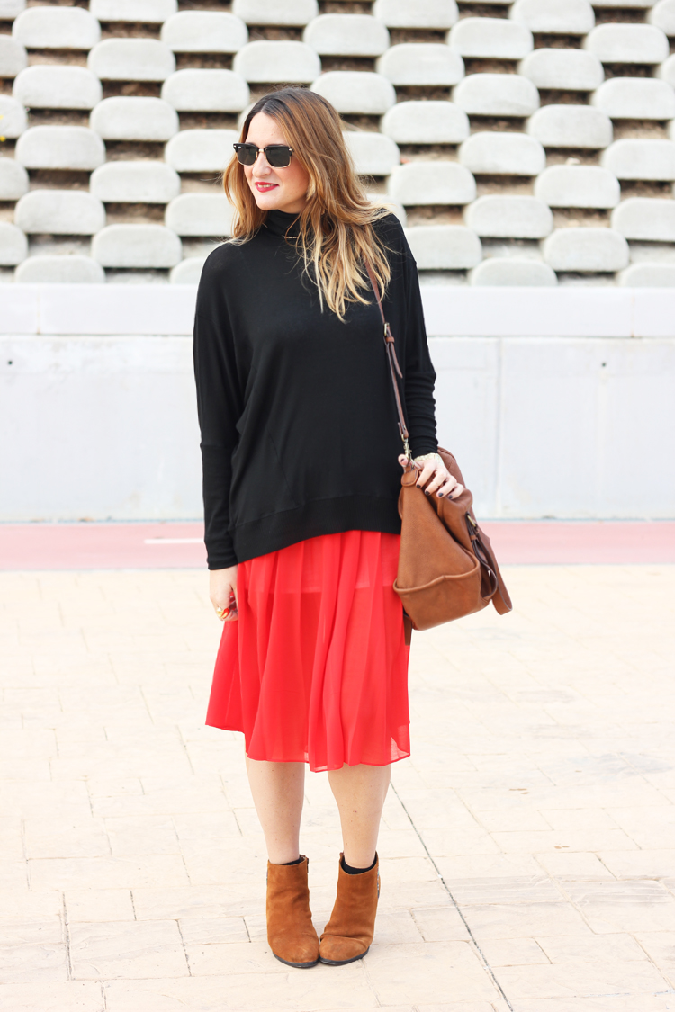 pleated-red-skirt2