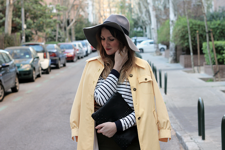 hat-jeggings-trench