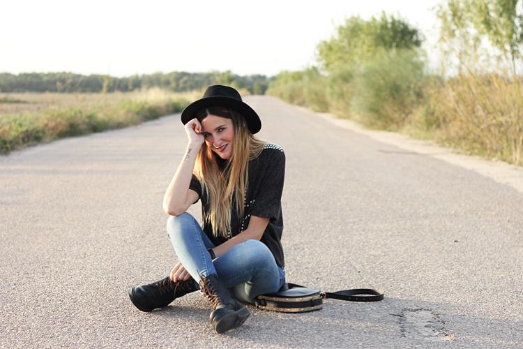 hat-look-jeans-zara-mustang-boots