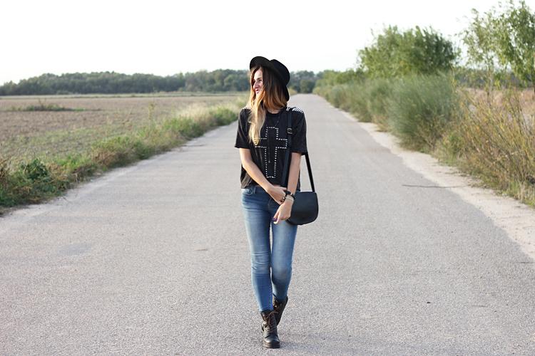 sister-jane-tshirt-mustang-boots