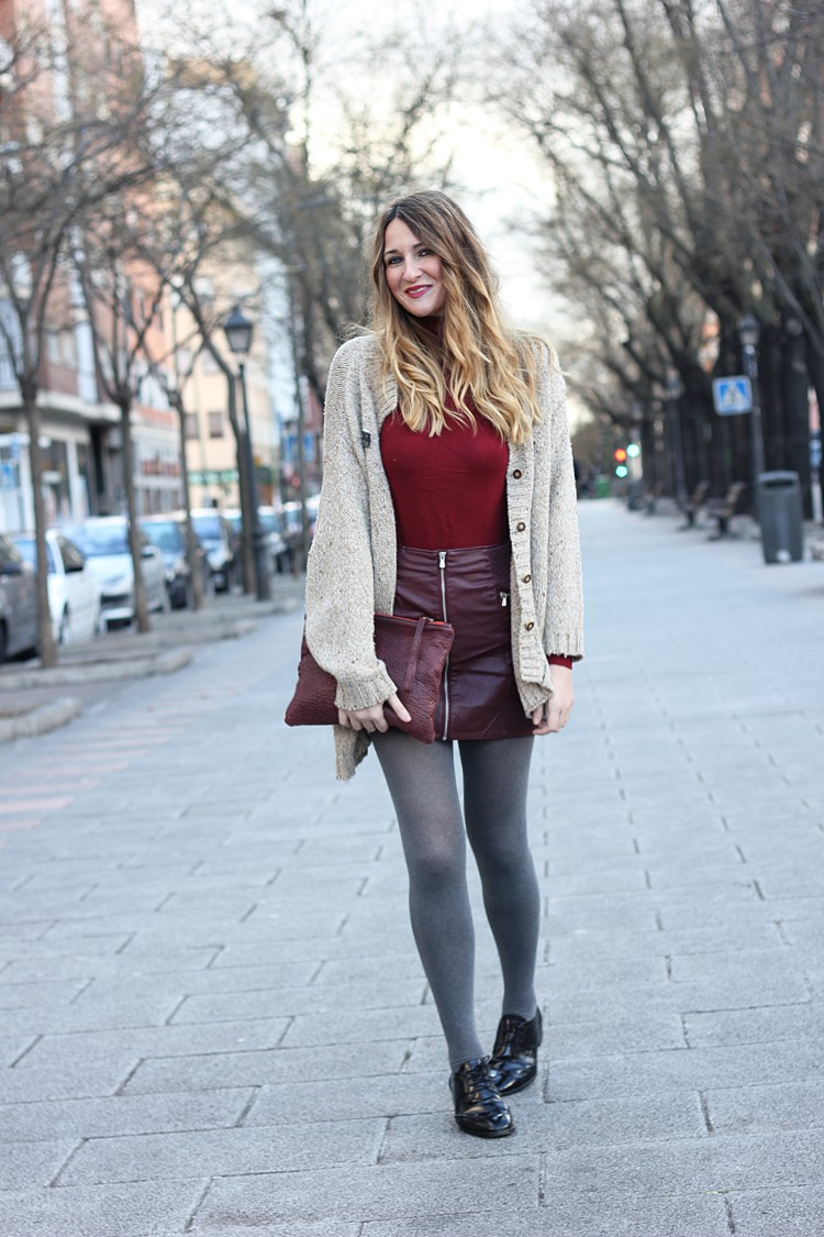 perfect-street-style-burgundy-look