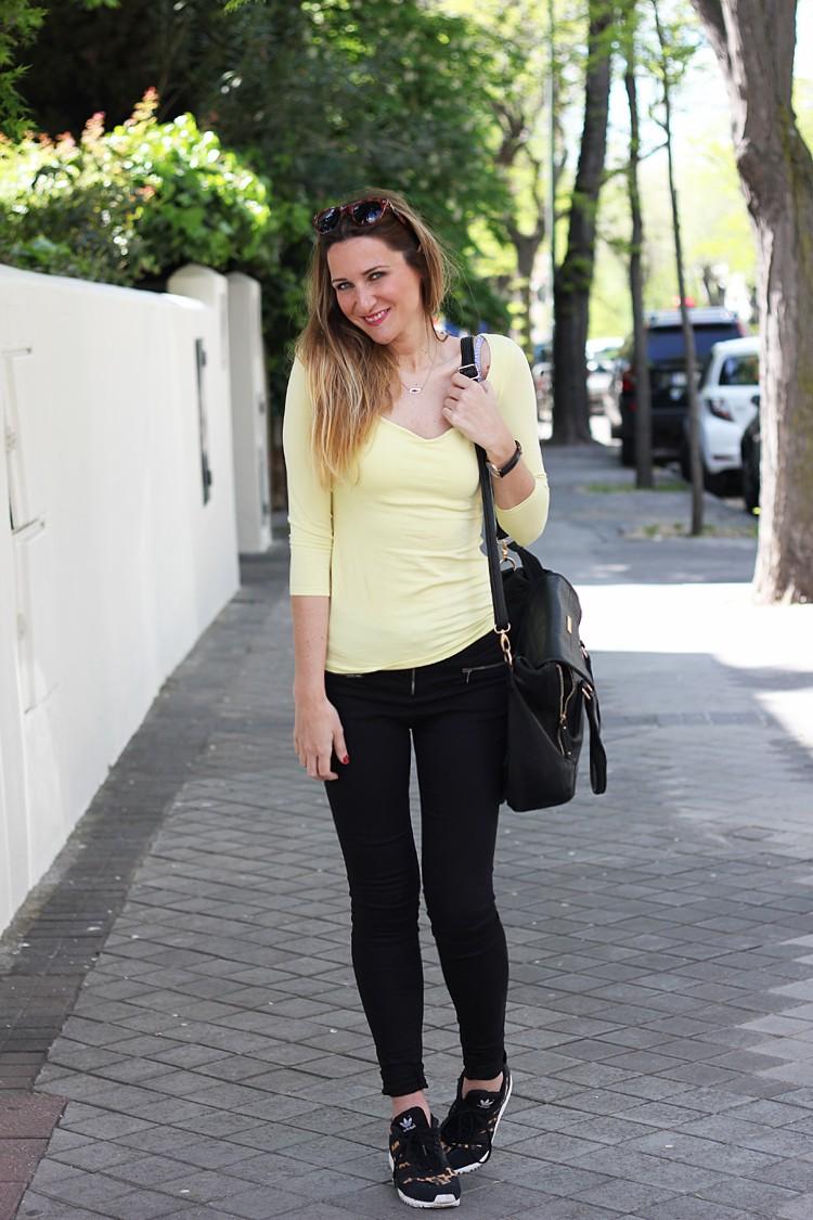 camiseta-amarilla-siguemiestilo