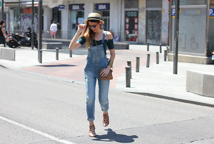 street-style-look-dungaress