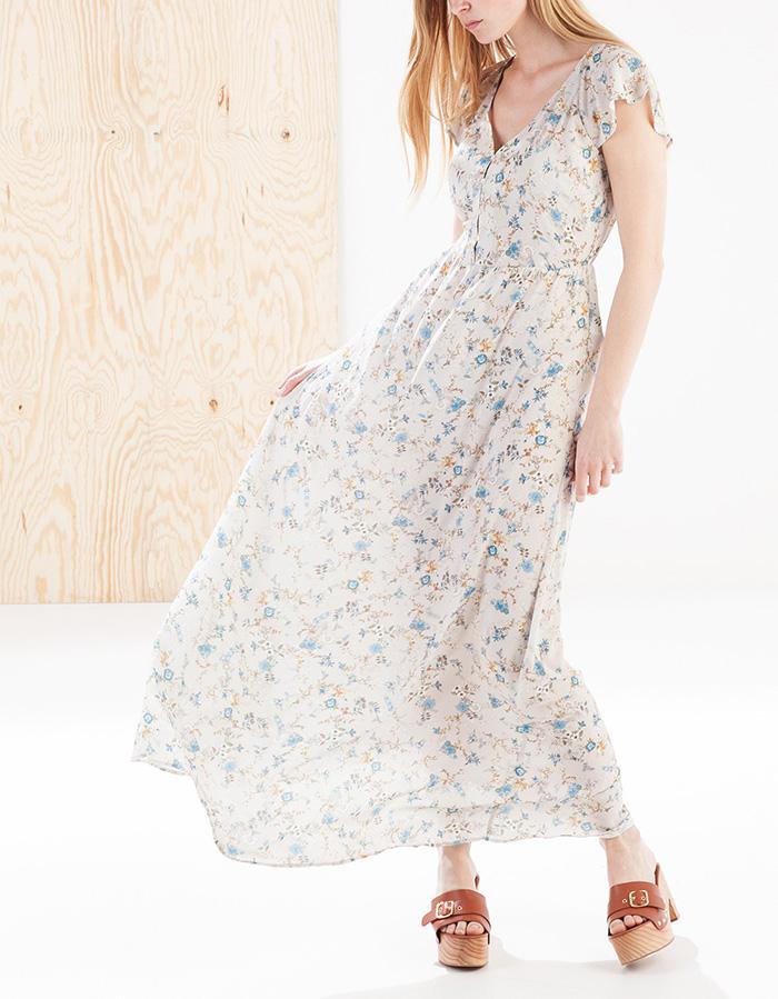 Vestido romántico stradivarius