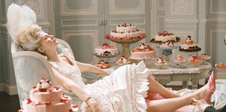 Escena de la semana: Zapatos y pasteles en 'Marie Antoinette' de Sofia Coppola-3549-monicaparga